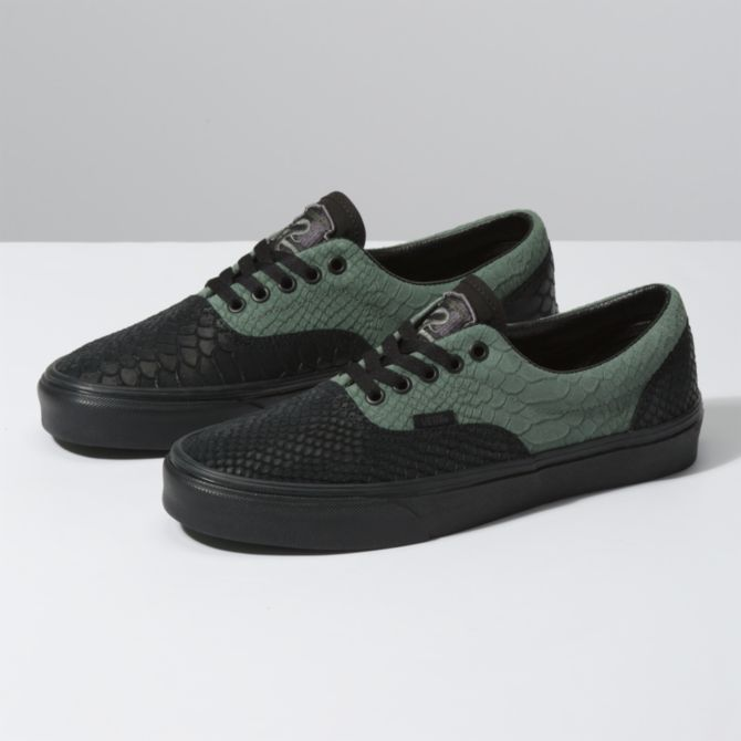 slytherin shoes.png