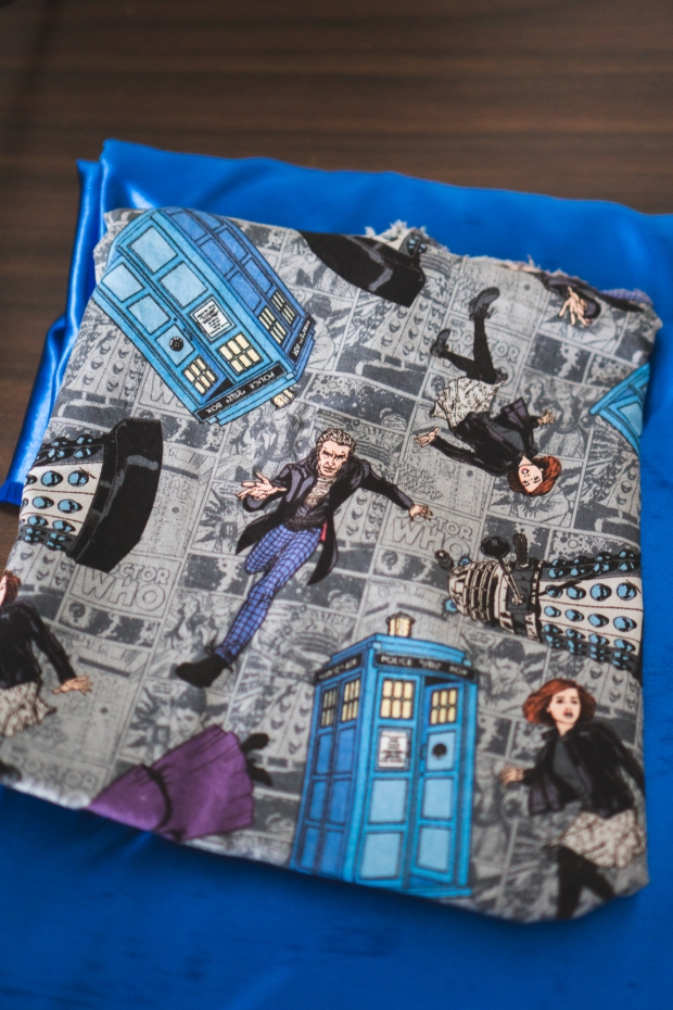 Making DIY Zipper Pouch Tardis Day Doctor Who-2.jpg