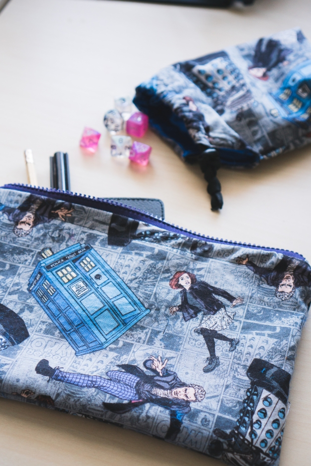 Making DIY Zipper Pouch Tardis Day Doctor Who-7